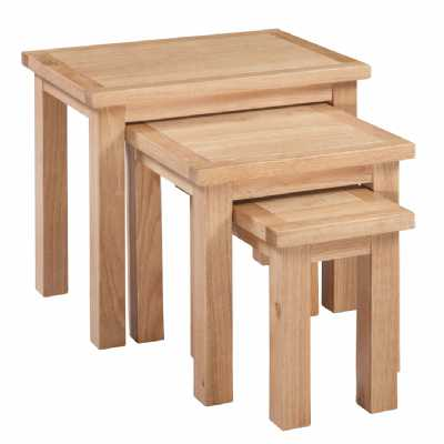 Oak Small Nest of 3 Tables Modern Style Moderna Collections
