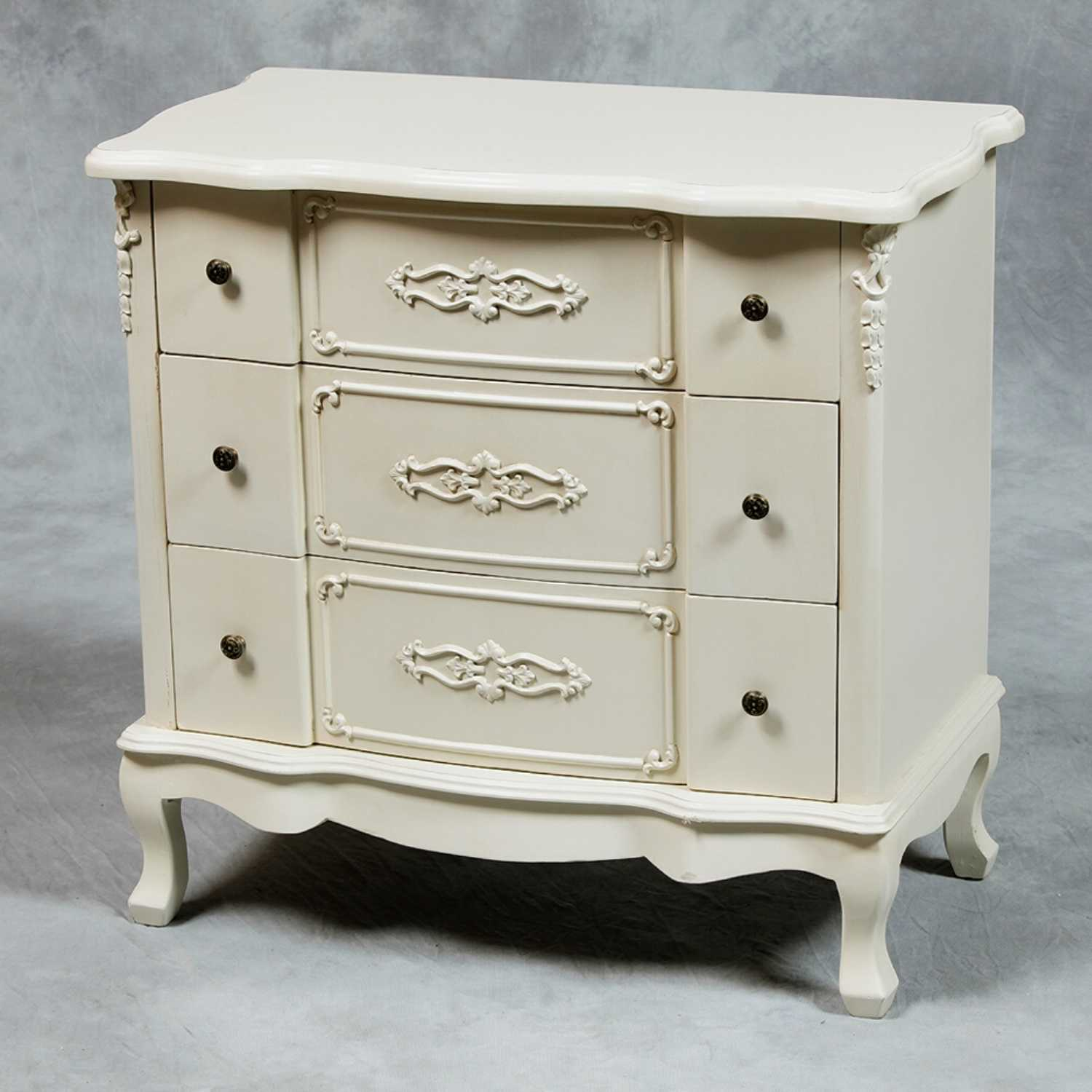 Small Cream French Style 3 Drawer Chest